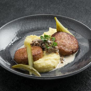 Куриные котлеты с пюре:Chicken cutlets with mush potato