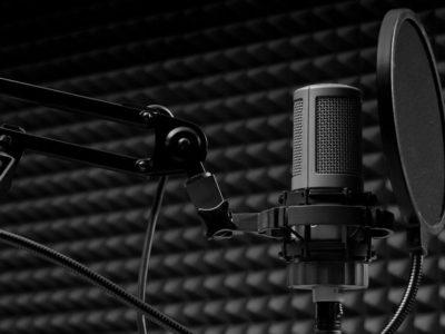 mikrofon-pop-filtr-studiia